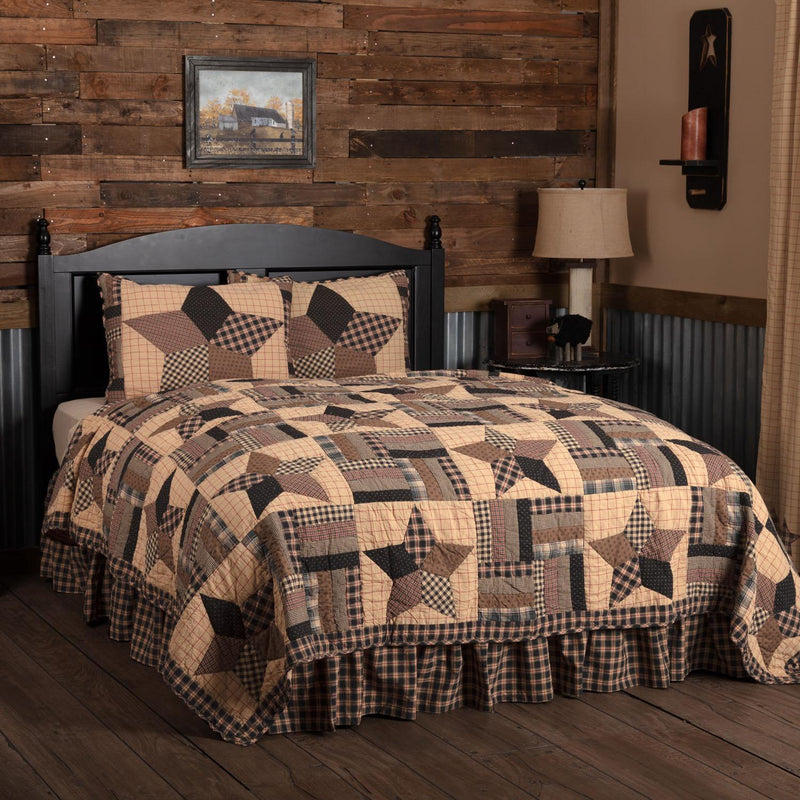 Malta Queen Quilt Set - Khaki/Barn Red