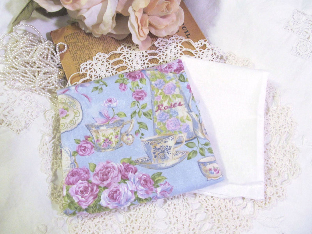 Fat Quarter Fabric Bundle - 2 Pieces - Rose Garden Tea  in Blue - Lavender Roses