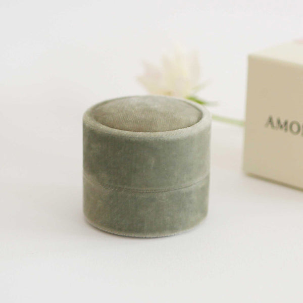 Amonie sage velvet ring box exterior