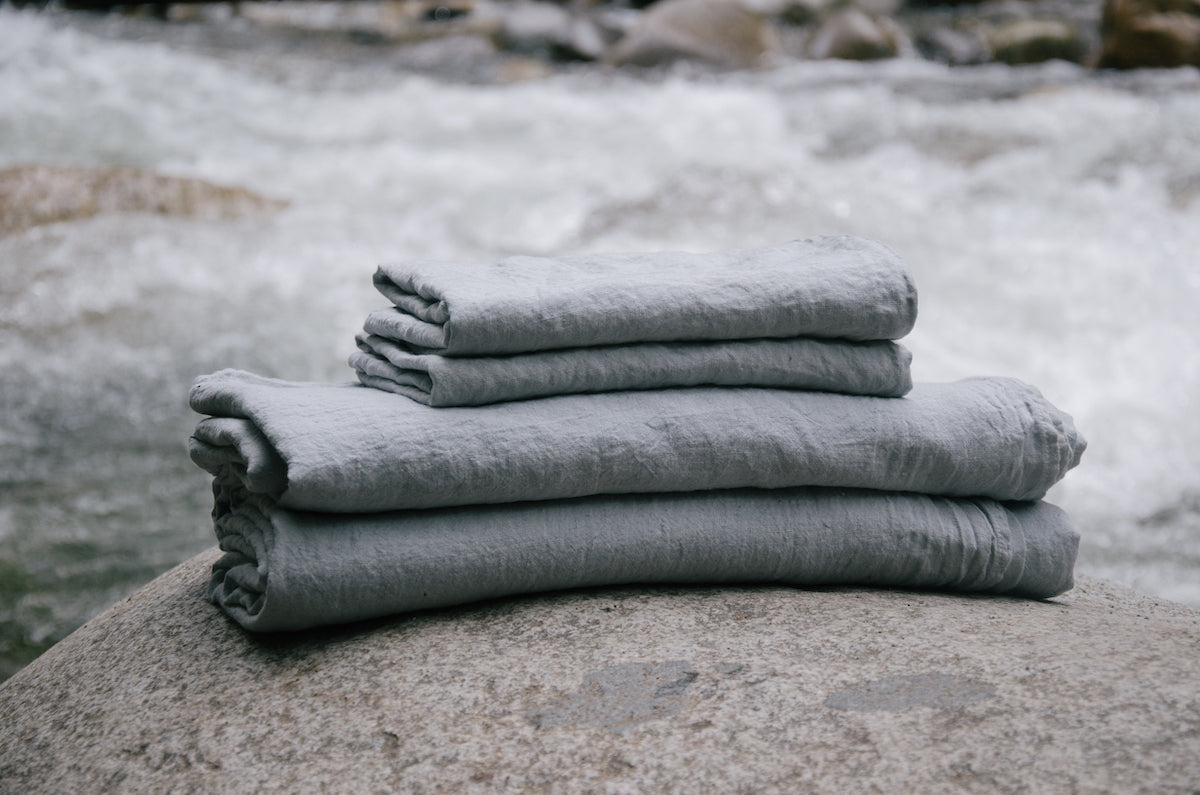 linen bedding sets by Sömn Vancouver online bedding store.