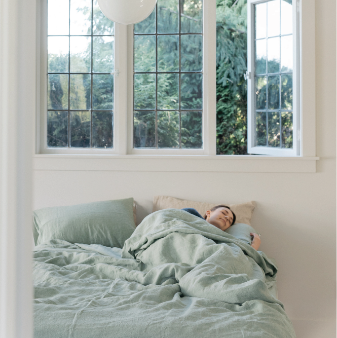Sömn Home natural linen duvet covers, bed sheets, pillowcase sets. Bedding stores Vancouver