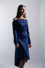 Load image into Gallery viewer, Slouchy Open Back Long Sleeve Midi Dress