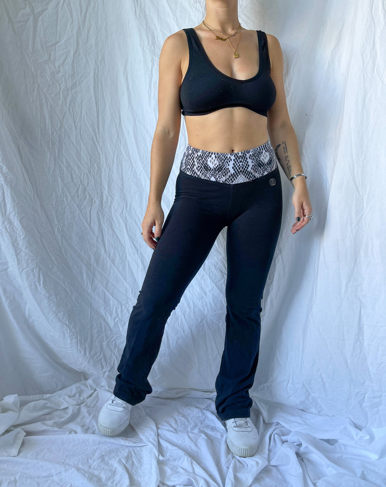 Load image into Gallery viewer, Trendy Flared Yoga Pants
