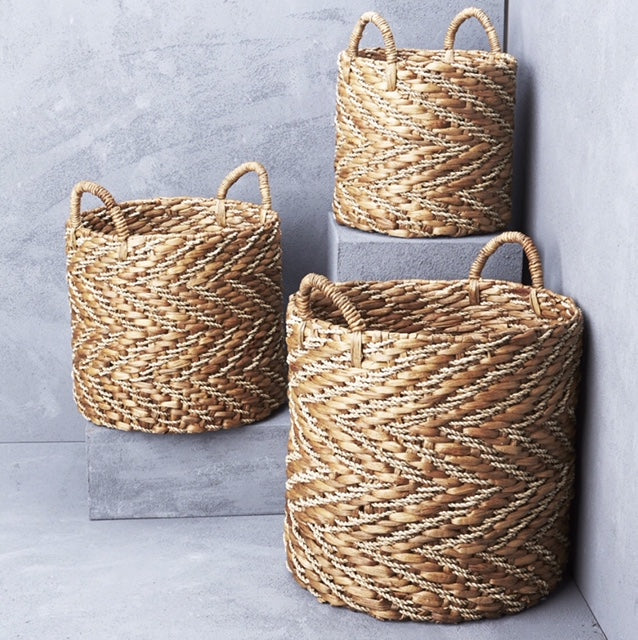 inartisan natural chevron waterhyacinth basket with seagrass pattern in Sml