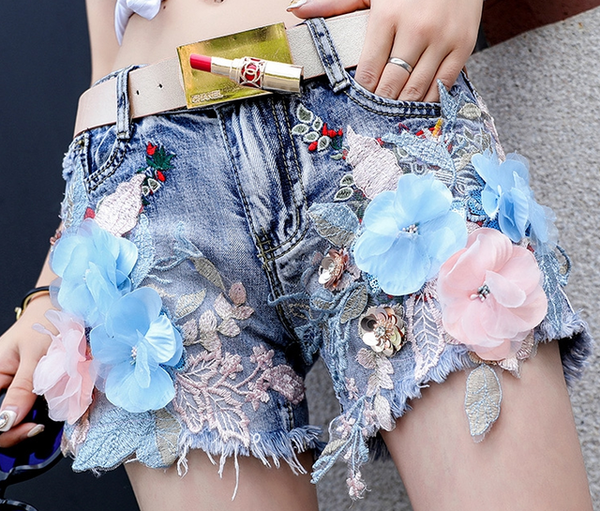 2018 Summer New Fashion Women's Embroidery Denim Coat Girl Student Peony Flower Gloria Jeans Vest Coats Ladies Slim Tops Vests