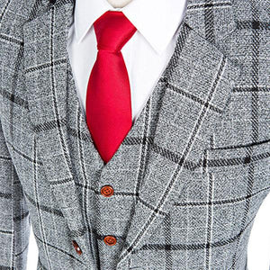 The Metz: Grey Accented Suit