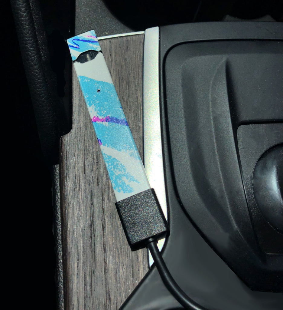 How To Charge Your JUUL In The Car