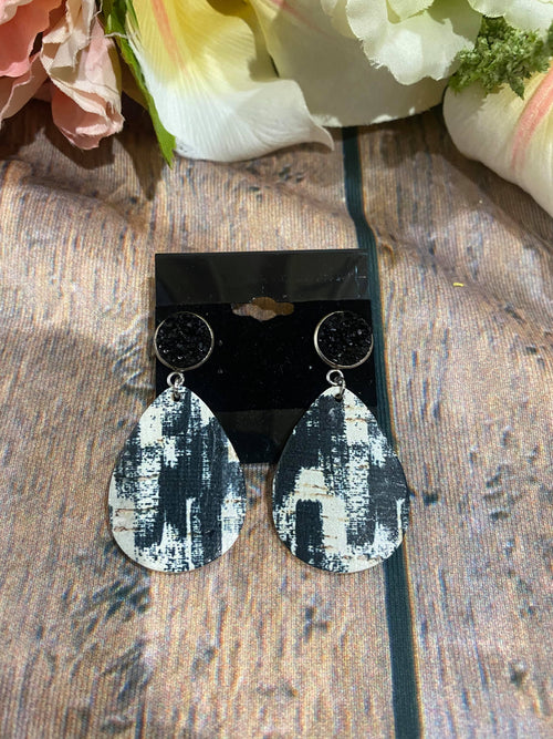 Druzy Dangle-Black