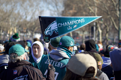 philadelphia eagles fans with flag