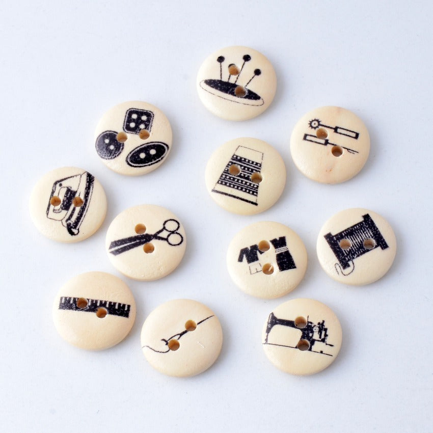 10Pcs Random Mixed 2 Holes Sewing Tool Pattern Wood Buttons