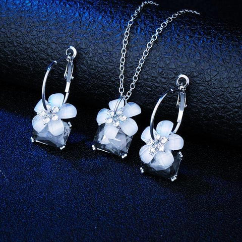 Blue Crystal with Flower Bridal Set