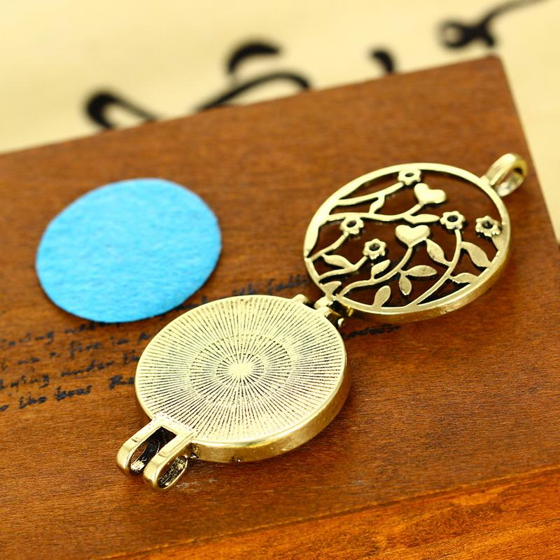 (Necklace+5Pad)/set Women Flower Locket Necklace Essential Oil Aromatherapy