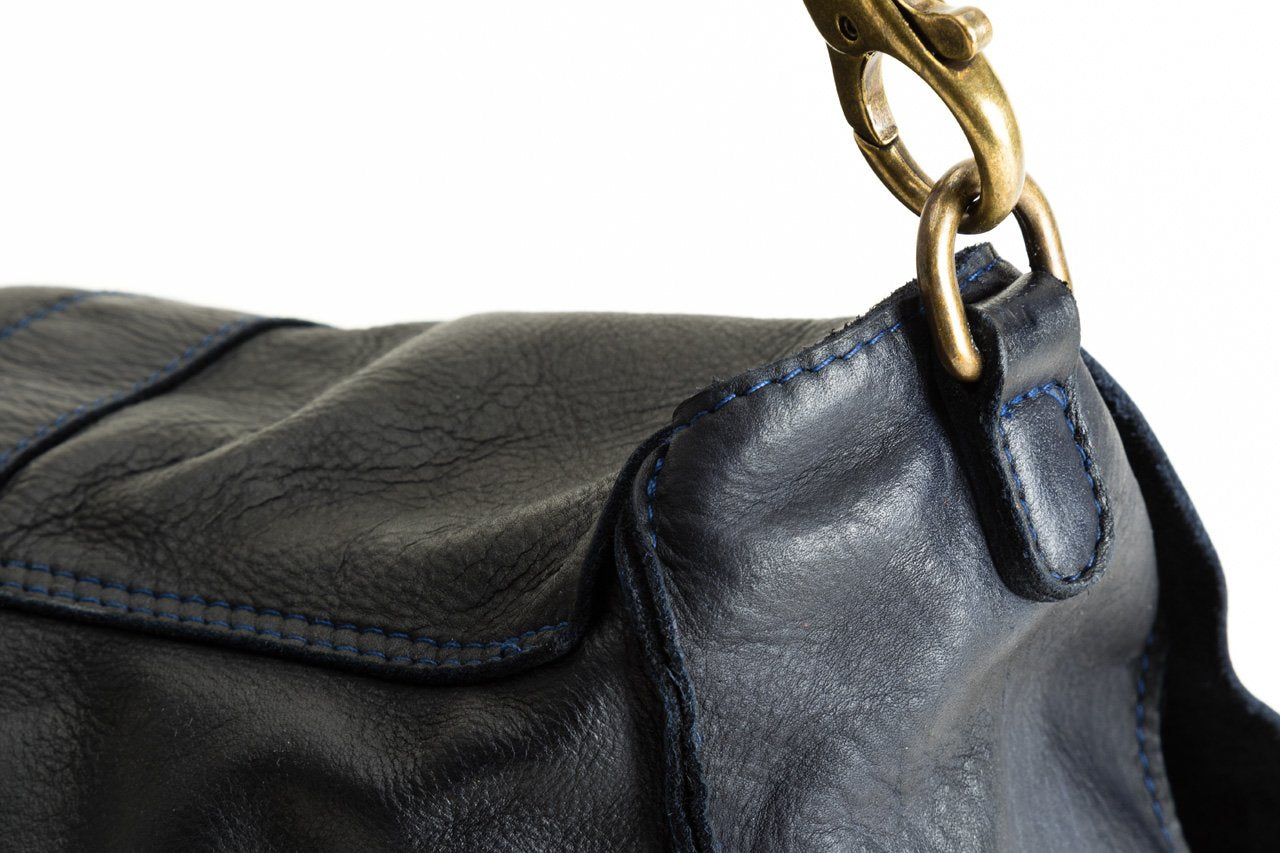 "LEATHER HANDBAG ""LES CORTS"""