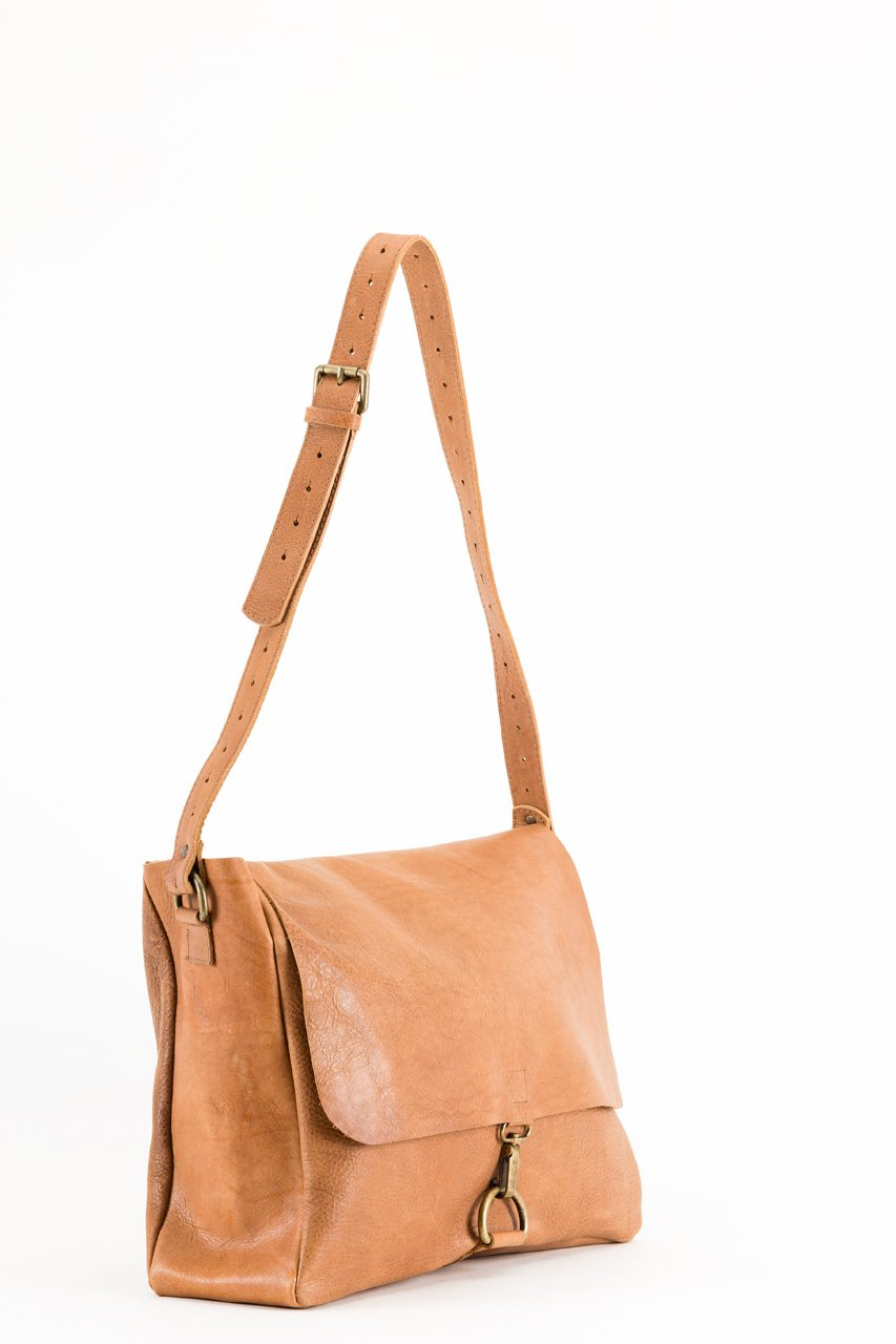 "LEATHER HANDBAG ""BARCELONETA"""