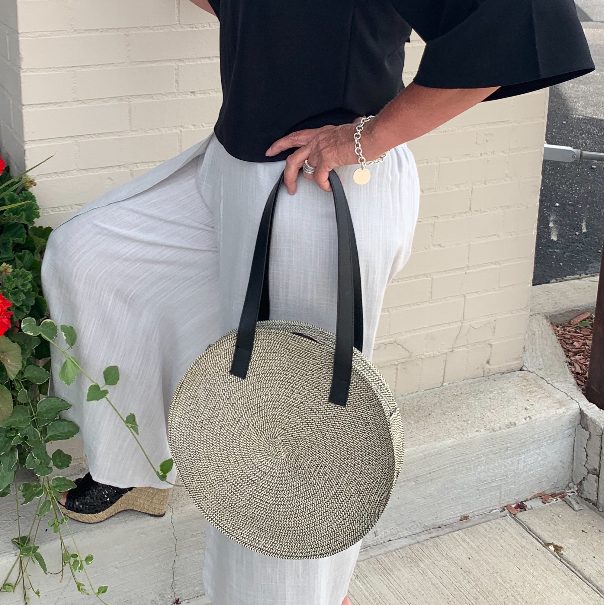 Straw w/Black Round Handbag