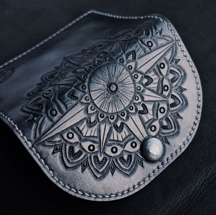 CUSTOM WOMENS POCKET CLUTCH | CALGARY, ALBERTA