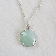 AQUAMARINE FACETED NECKLACE WITH PRONGS
