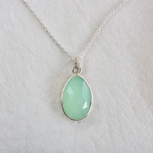 archive | CHRYSOPRASE FACETED NECKLACE WITH STERLING SILVER BEZEL