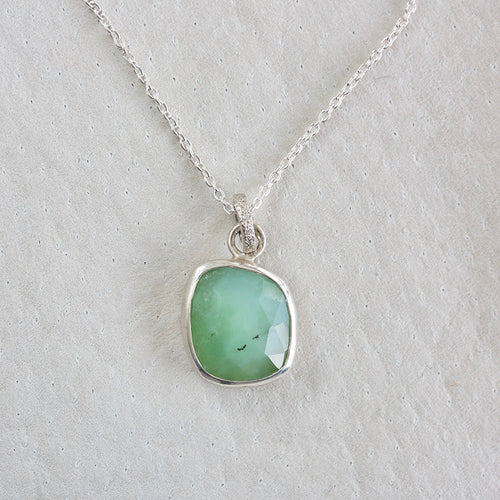 CHRYSOPRASE FACETED NECKLACE WITH STERLING SILVER BEZEL