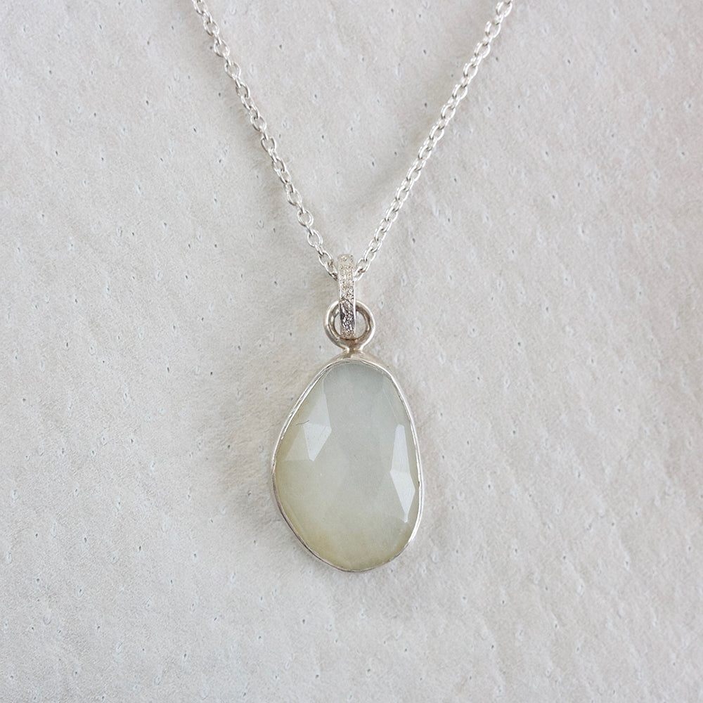 MOONSTONE FACETED NECKLACE WITH SILVER BEZEL