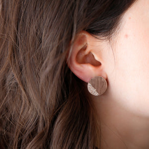 DIAMOND DUSTED CAMBER EARRINGS