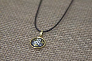 Damascene Triskelion Pendant - Gold