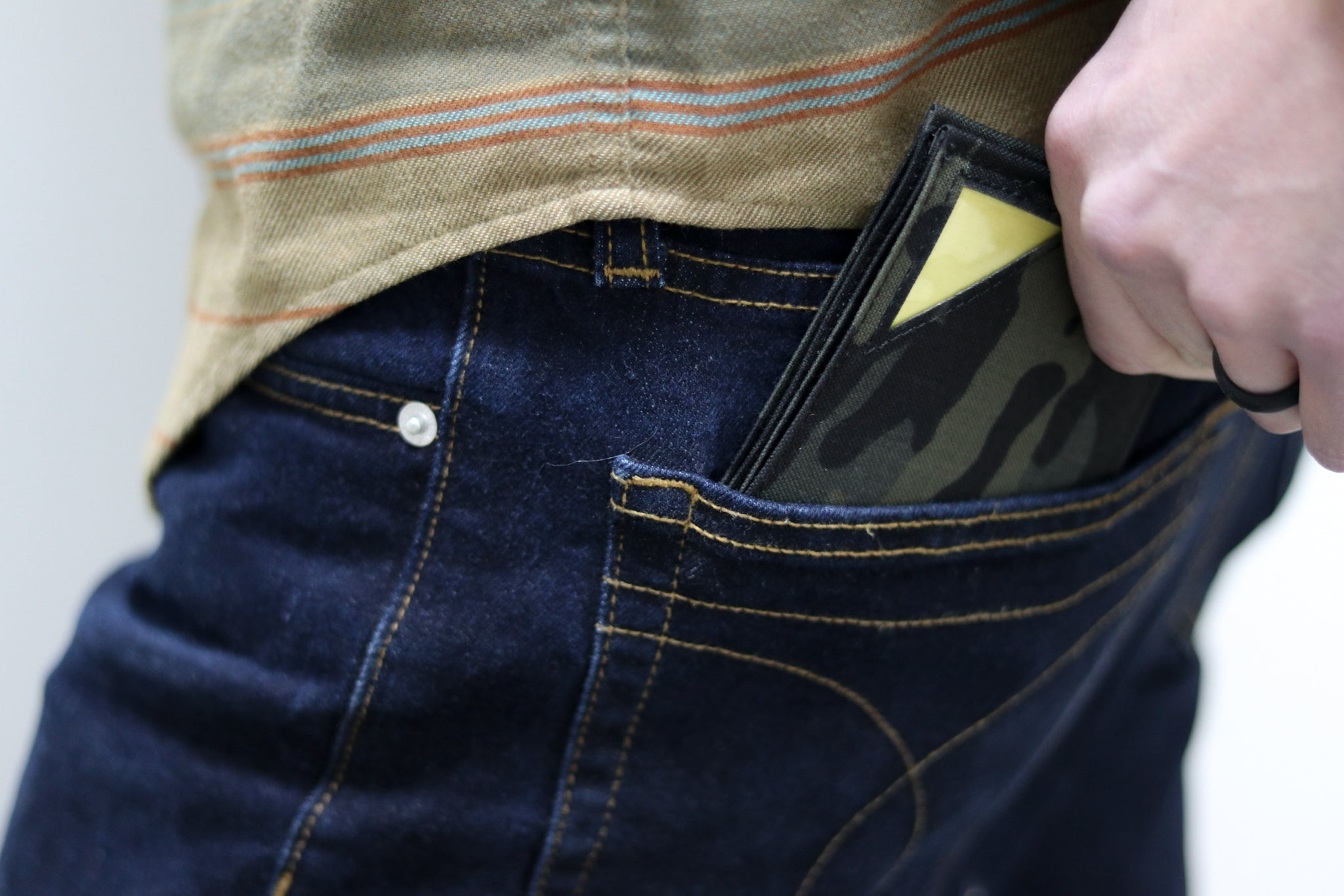 bulletproof wallet fits perfectly in jeans