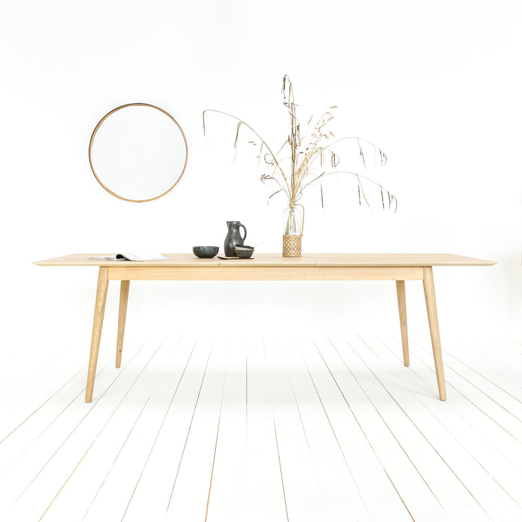 Tristford Extendable Oak Dining Table 200-252cm x 90cm