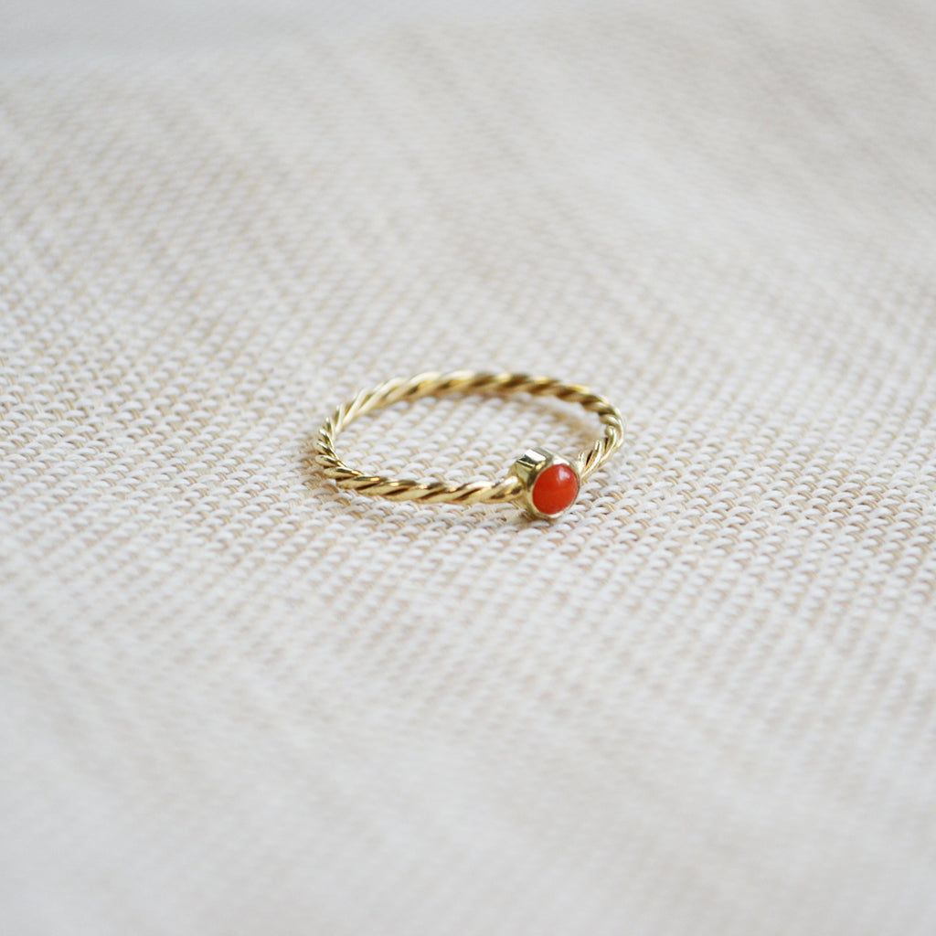 Coral ring - 14K GOLD