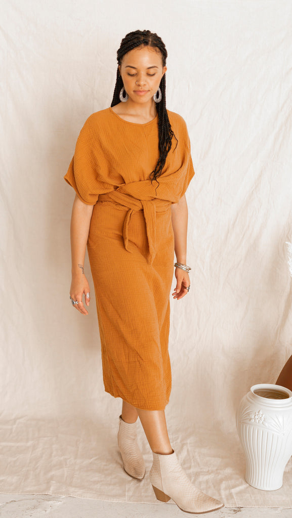 The Dolman Dress in Meerkat (2XL)