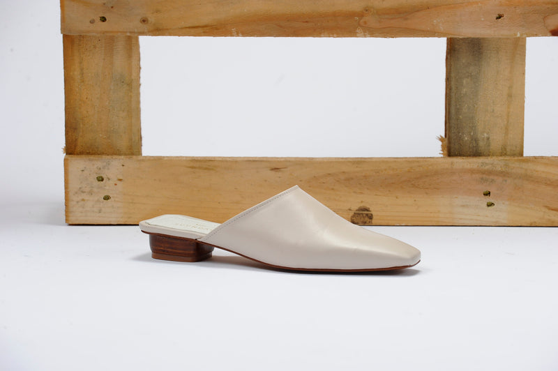 [COMING SOON] The Melody Mule in Cream Vegan Leather