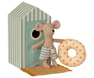 PREORDER Maileg Beach Mice, Little Brother in Cabin de Plage