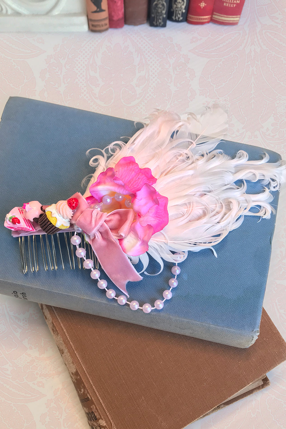 Chateau Cream Cake Hair Comb