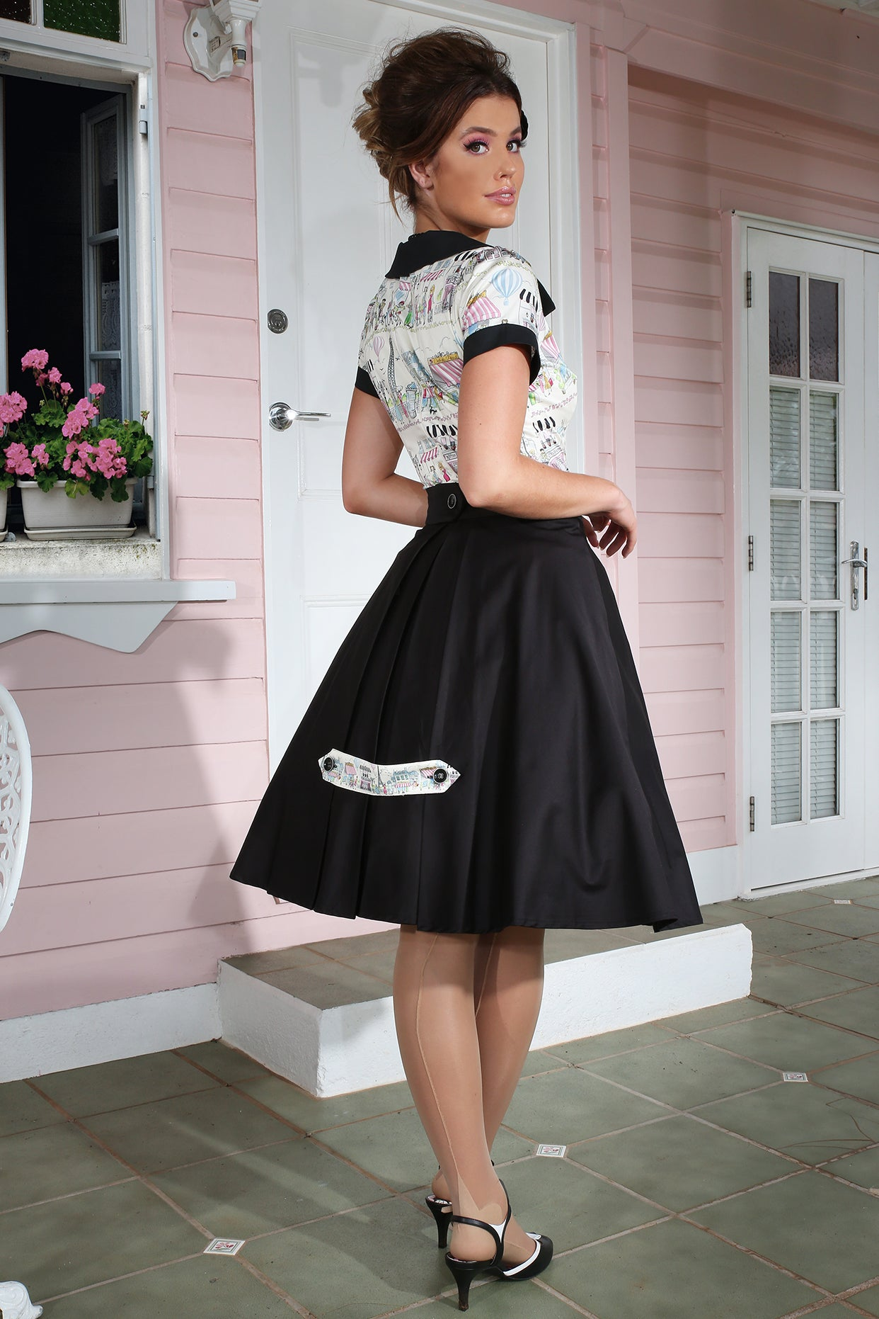 La Petite Boutique Button Tab Full Skirt