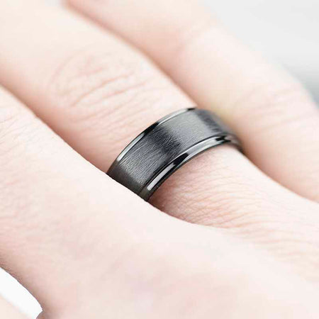 Black Tungsten Carbide Ring - Giliarto
