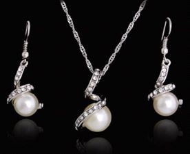 Twisted Pearl Necklace and Earring Set