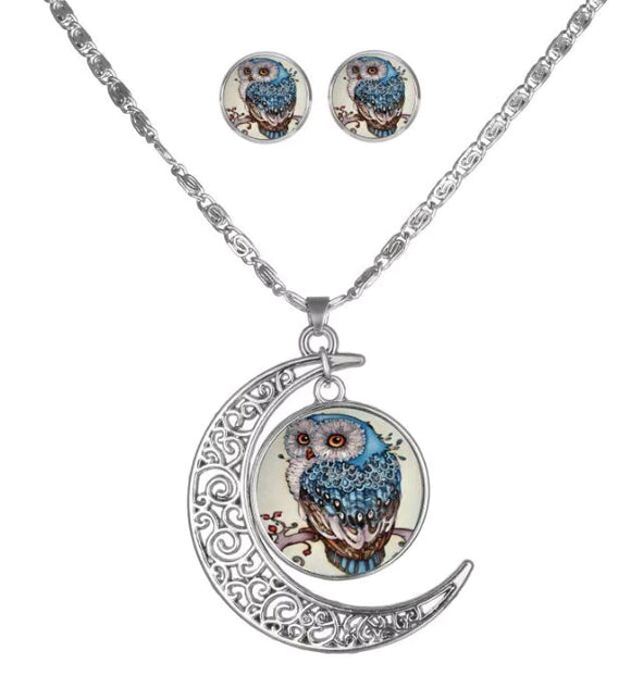 Viberant Owl Crescent Moon Necklace and Earring Set