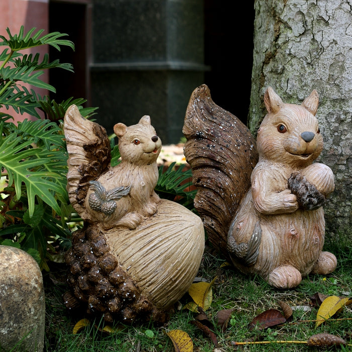 Squirrel with Pine Cones Statue, Animal Statue for Garden Courtyard Decoration, Villa Outdoor Decor Gardening Ideas