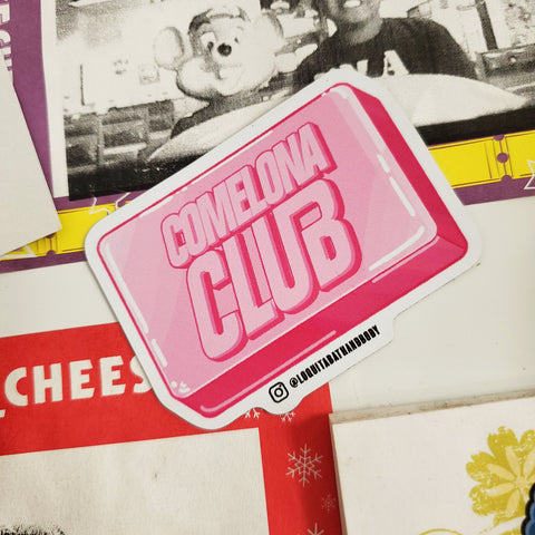 Comelona Club fridge magnet
