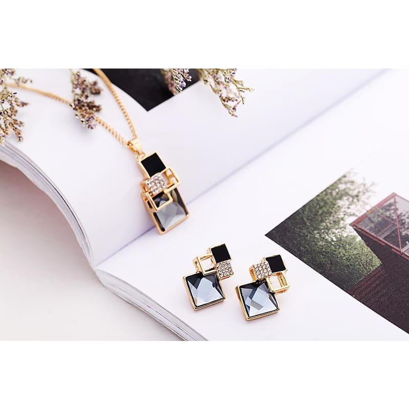 Victorias Vintage Shape Geometric Crystal Pendant With Stud Earrings - Earrings