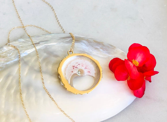 Round Shell Long Necklace