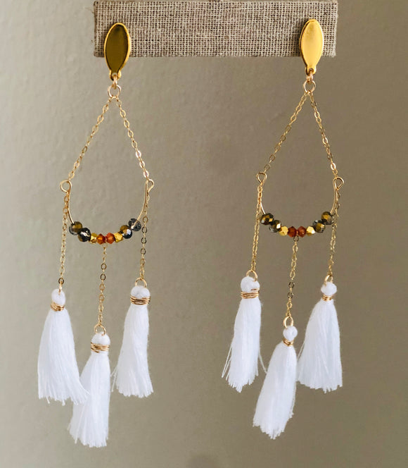 Angel Eyes Earrings (White)