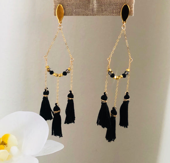 Angel Eyes Earrings (Black)