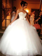 Ball Gown Sweetheart Sleeveless Tulle Floor Length Wedding Dress with Bowknot