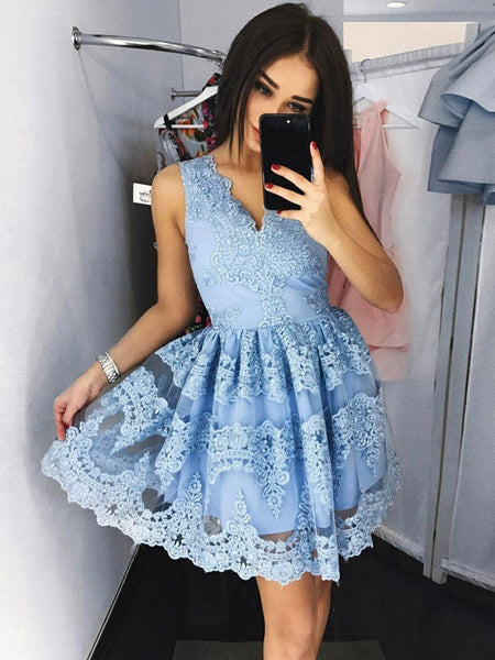 A-Line/Princess V-neck Lace Sleeveless Short/Mini Prom Dress with Lace