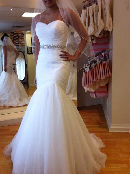 Trumpet/Mermaid Sweetheart Court Train Sleeveless Tulle Bridal Gown with Beading