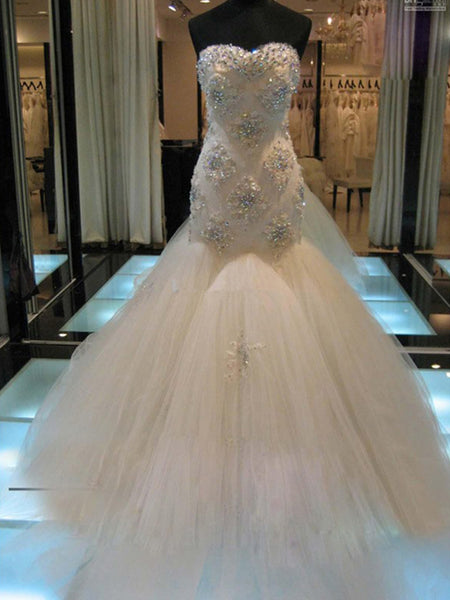 Trumpet/Mermaid Sweetheart Court Train Sleeveless Tulle Wedding Dress with Beading