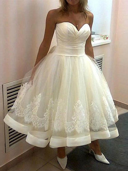 Ball Gown Sweetheart Tea-Length Sleeveless Tulle Bride Dress with Applique