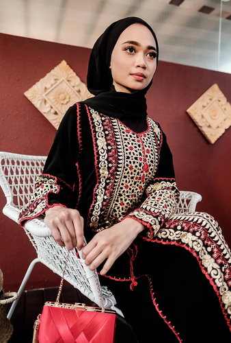 Turkish Nazeera Embroidery Dress in Red