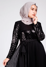 Load image into Gallery viewer, YC Aysha Sequin Pleated Dress - Black